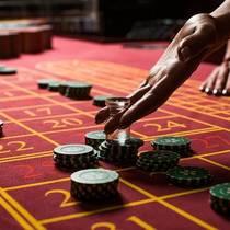 Интернет дает возможность выиграть в казино, не выходя из дома