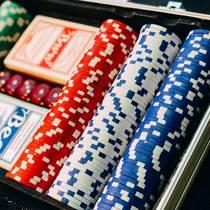 Кто играет в казино Вулкан Платинум на деньги?